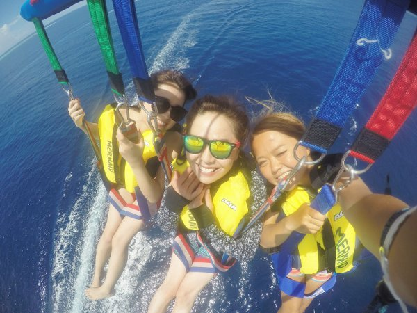 【BBQ付き】水納島日帰り海水浴&体験ダイビングorパラセーリング+ボートシュノーケリング(Aプラン)